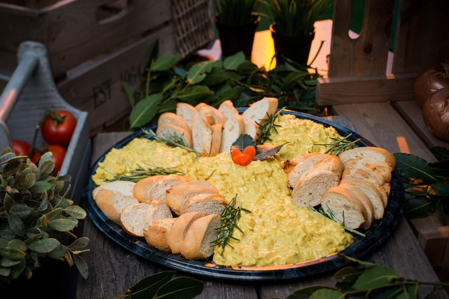 Gourmet Coronation Chicken Dipping Platter